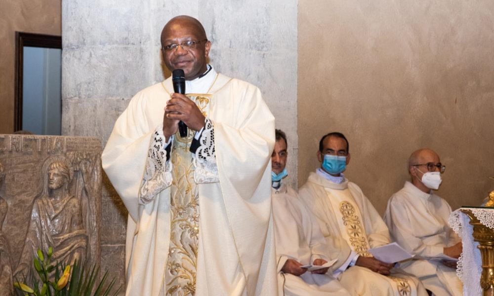 La nostra comunità ha accolto il nuovo Parroco don Nicolas